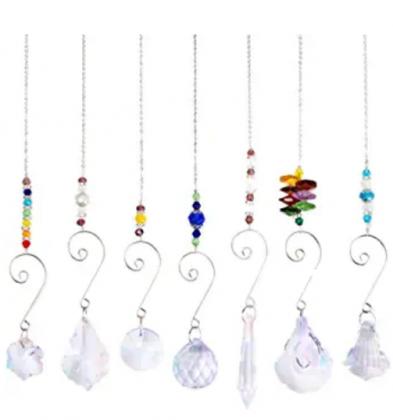 wonuu Hanging Crystal Sun Catcher, Chanderlier Suncatchers Crystal Balls, Hanging Ornament Rainbow Maker for Home & Garden Decoration (7 Pcs Clasical)